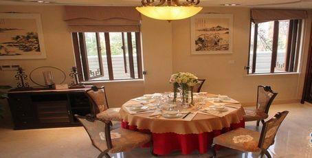 无锡融创枫丹御园星洲鸿山尚院254平D1-02户型样板间餐厅