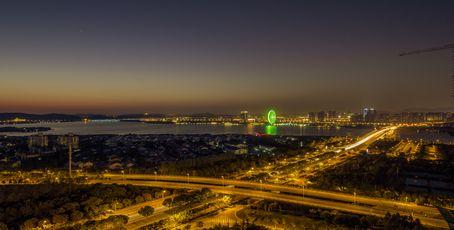 无锡太湖国际社区太湖国际社区凯旋门阳台夜景(湖景)