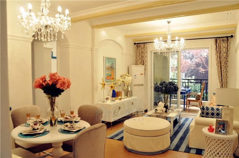 两室一厅一卫餐客厅图片
